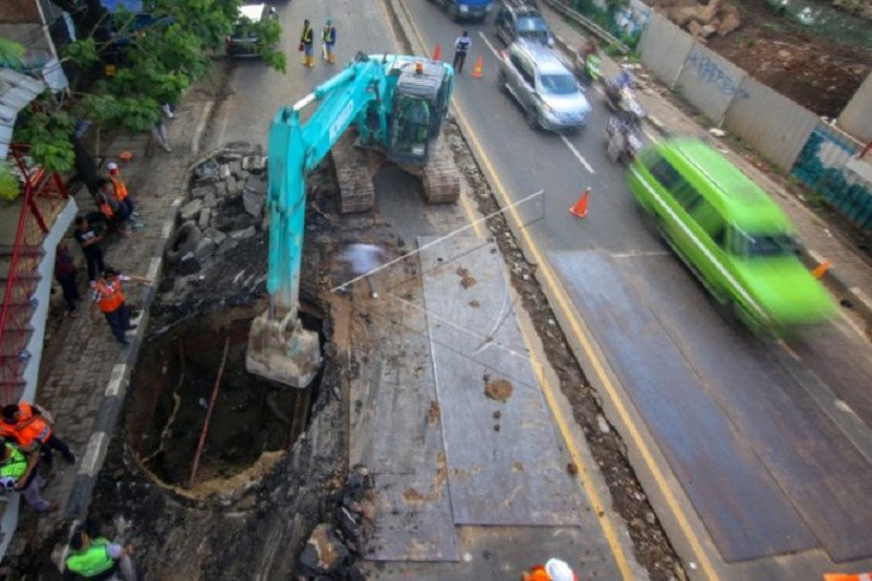 Dinas PUPR: Perbaikan jalan ambles di Daan Mogot diperkirakan selesai lima hari