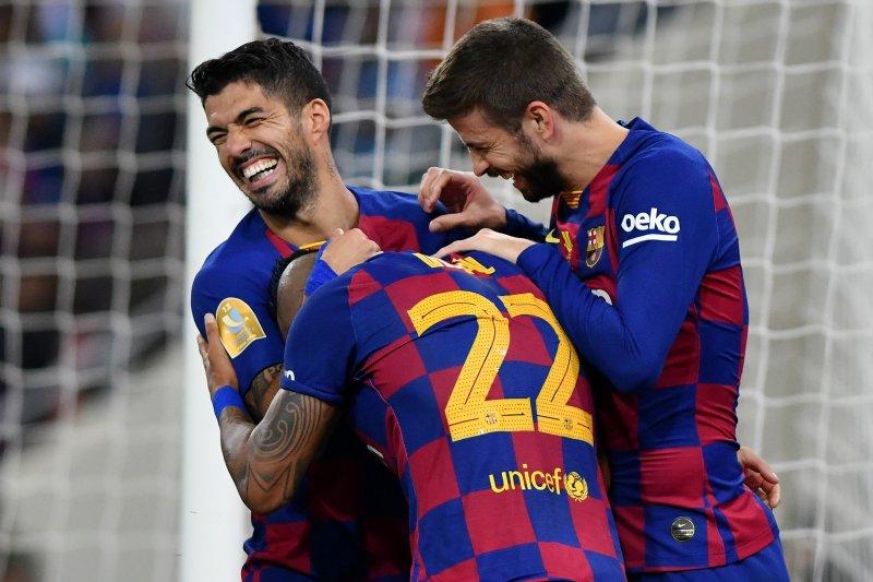 Barcelona puncaki daftar