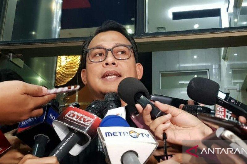 KPK kembali panggil Bupati Solok Selatan Muzni Zakaria dan Muhammad Yamin pemilik PT Dempo