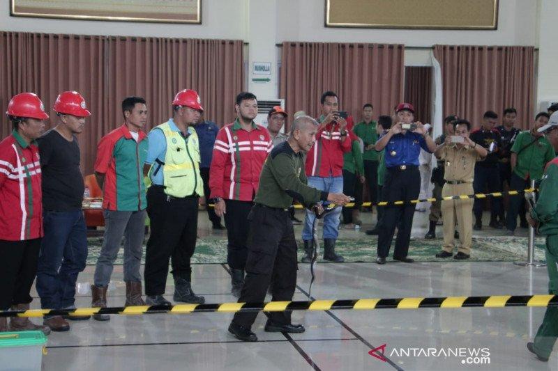 PT Semen Baturaja gelar pelatihan penanggulangan bahaya ular