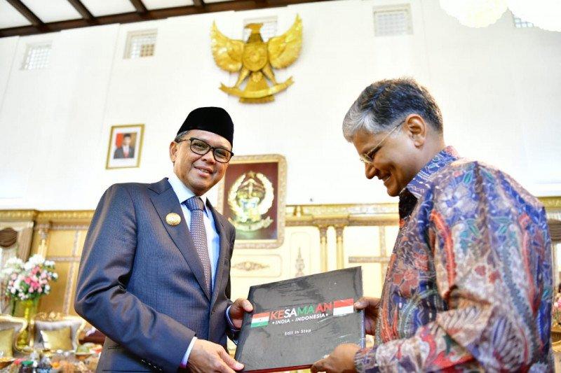 Gubernur siap mengirim pelajar SMK Sulsel belajar sutra ke India