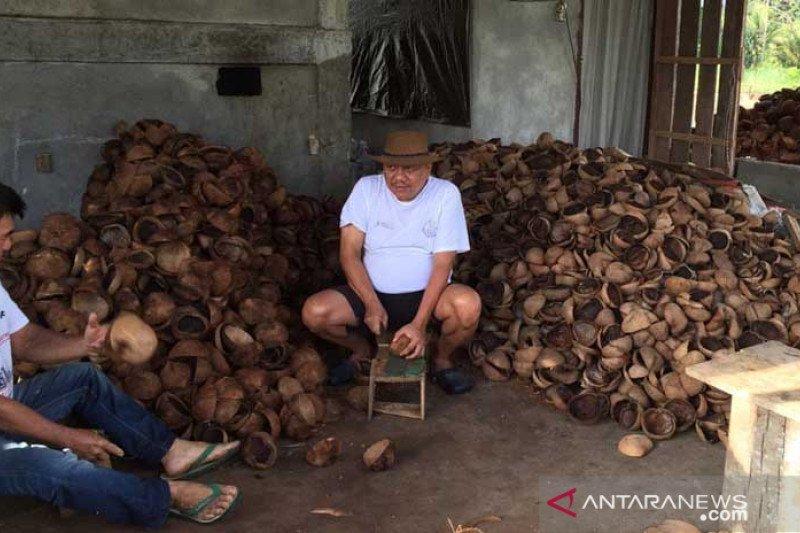 Pemprov Sulawesi Utara tingkatkan kualitas industri minyak goreng kelapa