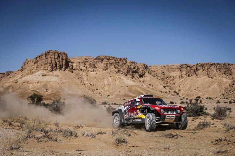 Posisi Carlos Sainz terancam setelah etape IX Dakar 2020