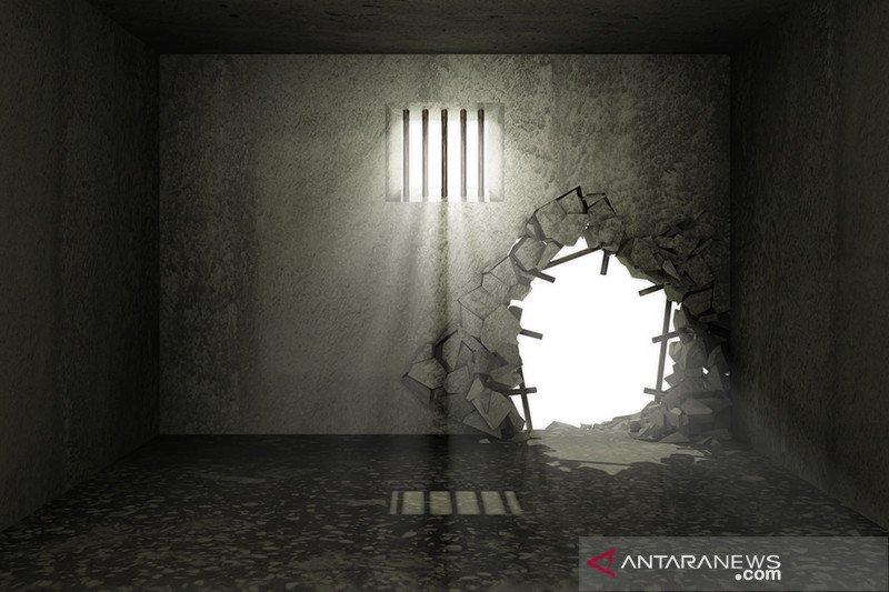 Delapan tahanan Polres Serdang Bedagai kabur