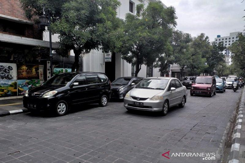 Jalan Braga Bandung direncanakan steril dari parkir kendaraan