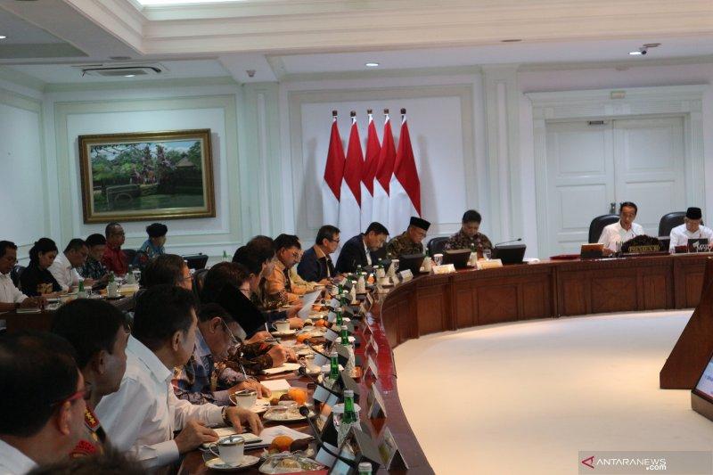 """Presiden Jokowi inginkan """"omnibus law"""" selesai sebelum 100 hari kerja"""