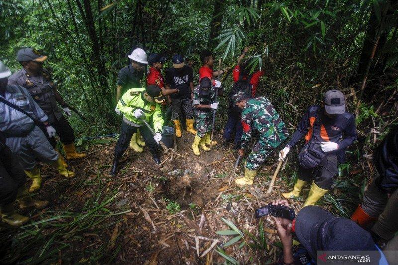 Semua tambang liar di Jawa Barat harus dibubarkan