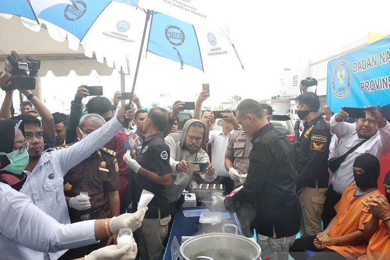 BNN Sulbar musnahkan barang bukti 550 gram sabu-sabu asal Malaysia