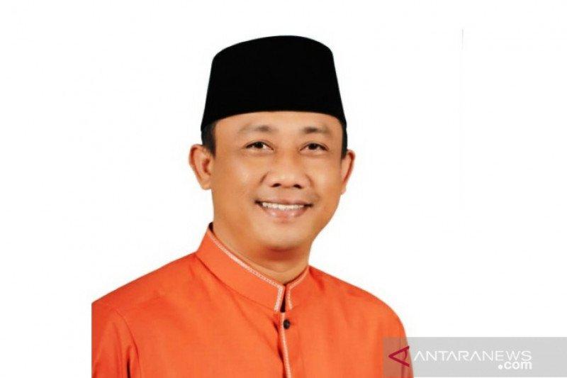 Pilkada Padang Pariaman,  Wali Feriumumkan pendamping Pilkada Februari