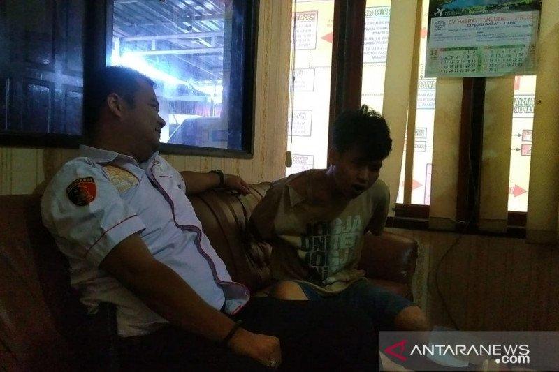 Coba rampok toko kue dengan berpura-pura belanja, pemuda di Bukittinggi nyaris babak belur diamuk warga