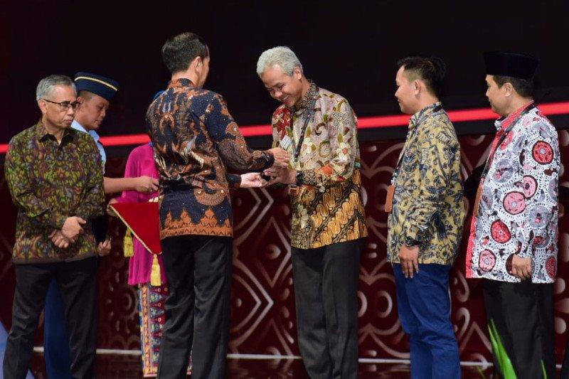 Gerakan siswa menabung di Jawa Tengah mendapat penghargaan OJK