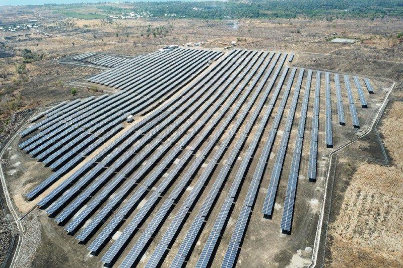 Terus dorong perkembangan green energy, PLN UIW NTB operasikan PLTS Sambelia
