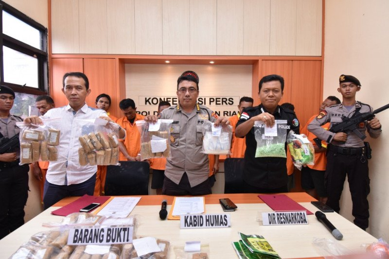 Polda Kepri tahan WNA penyelundup narkoba