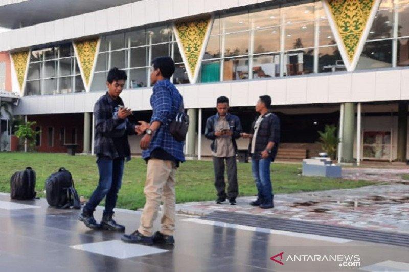 Bandara SSK II Pekanbaru akan berlakukan uang elektronik bayar parkir per 1 Februari