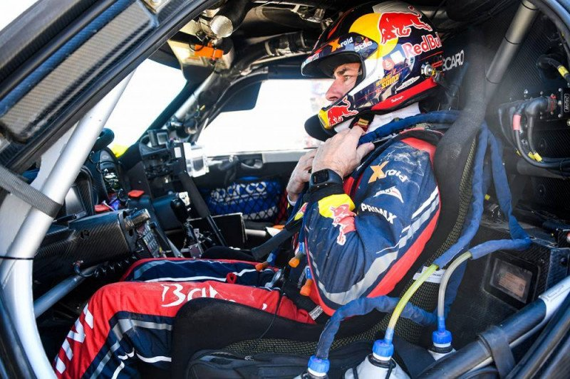 Sainz tinggal selangkah lagi menuju gelar ketiganya di Dakar