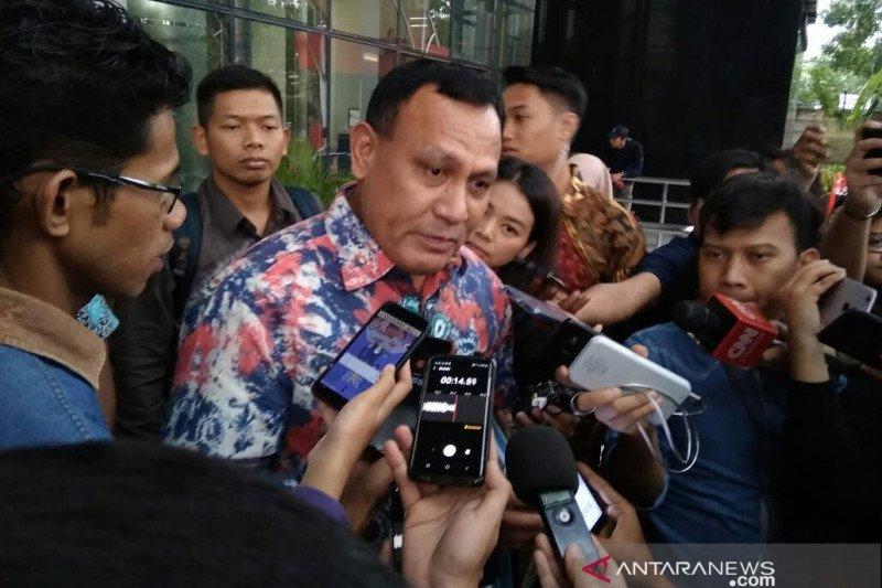 Komisioner KPK temui Pimpinan DPR, Firli: Boleh dong silaturahmi