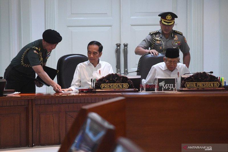 Presiden Jokowi pimpin rapat terbatas bahas persiapan Piala Dunia U-20