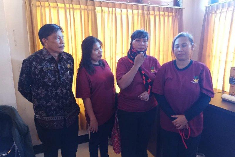 Lima calon TKW ilegal asal Mataram ke Timteng dipulangkan
