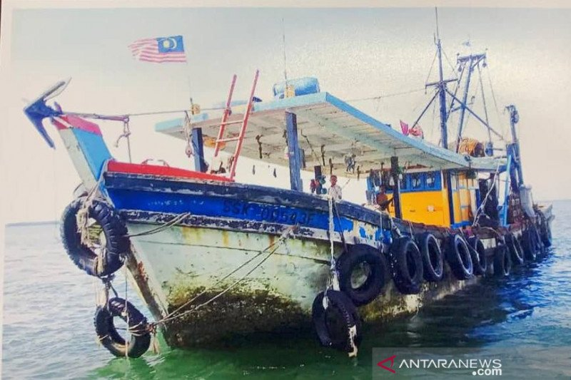 Five Indonesians of a fishing boat were abducted in Malaysian waters