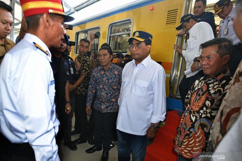Kunjungan menhub ke stasiun kereta api Serang
