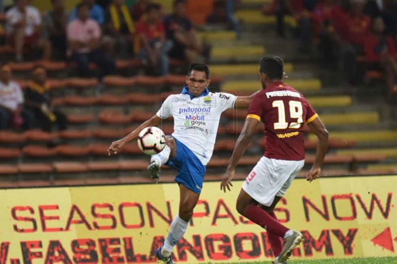 Persib dibuat tak berdaya lawan Selangor FA