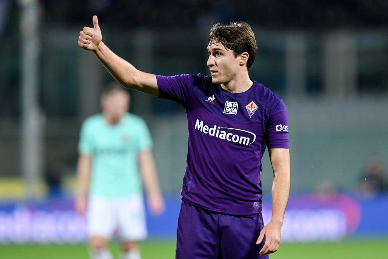 Fiorentina kalahkan Napoli 2-0