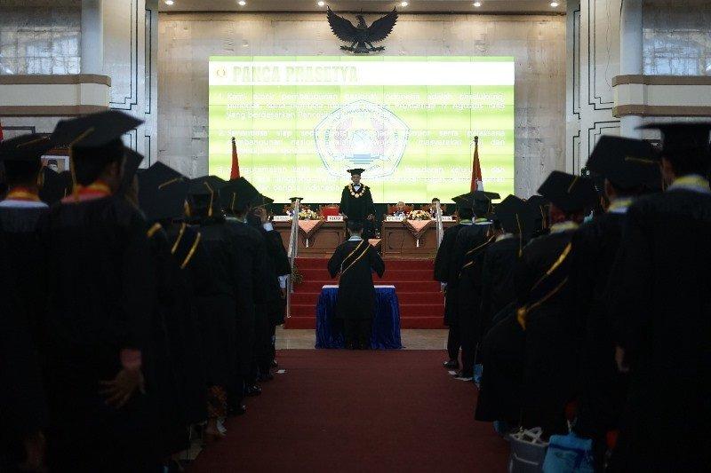 UPN Veteran Yogyakarta wisuda 518 lulusan