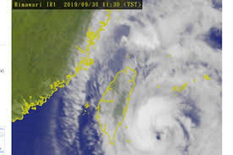 Badai dahsyat Gloria diiringi angin kencang hantam Spanyol