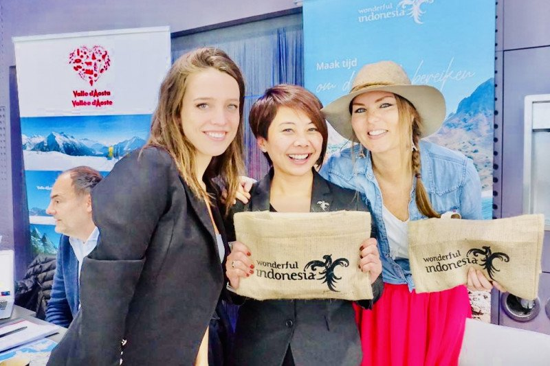 Indonesia mempromosikan lima destinasi di FITUR