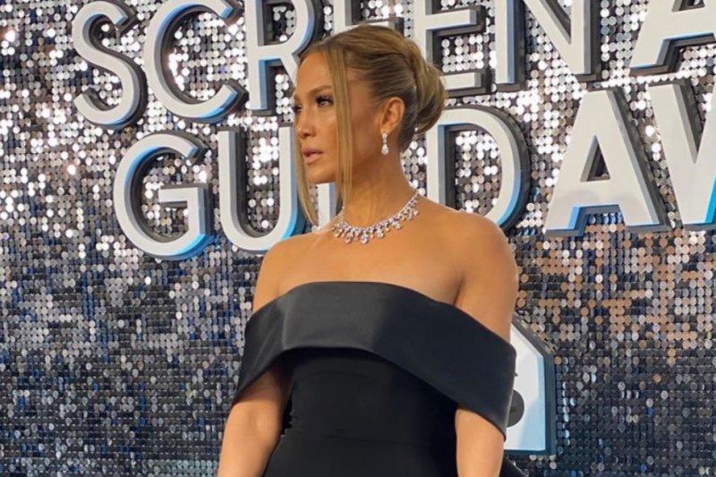Jennifer Lopez pamerkan berlian senilai 9 juta dolar