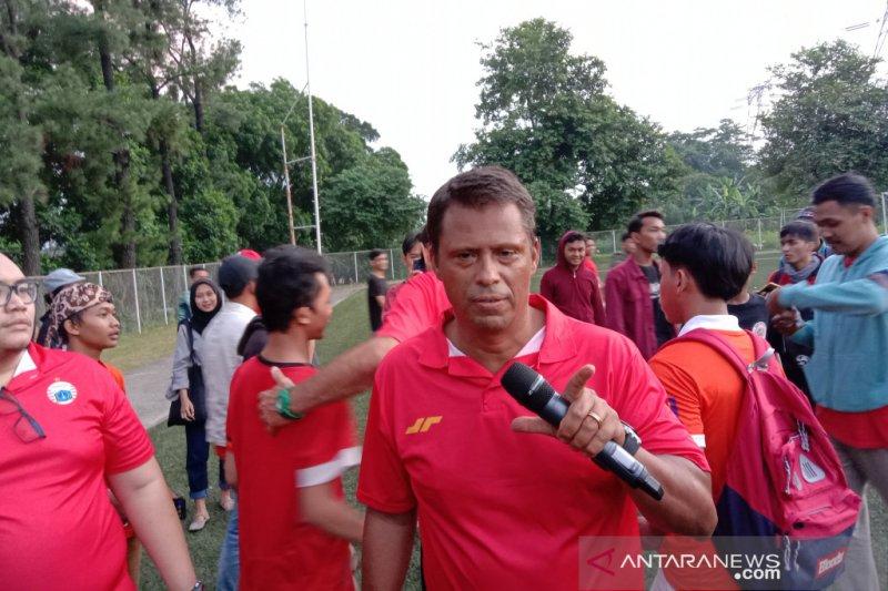 Pelatih Sergio sesalkan pemain asing Persija belum ikut latihan