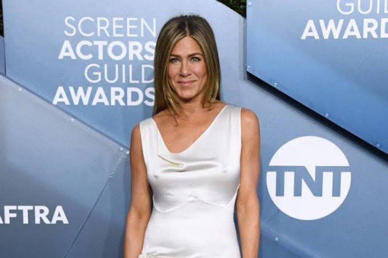 Begini reaksi Jennifer Aniston atas sikap Brad Pitt