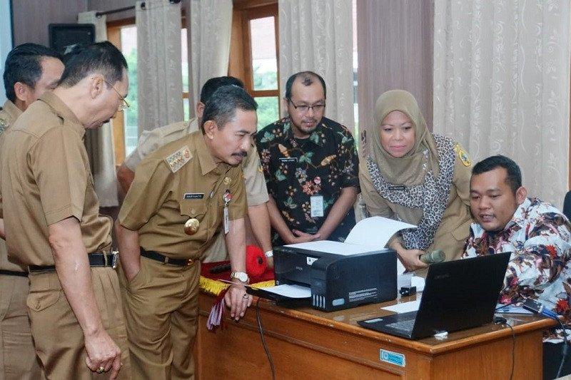 Bupati Pati: Aplikasi SIPAPAT untuk memudahkan pelayanan di tingkat desa