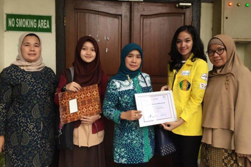 Vokasi Humas UI beri penghargaan kepada pelajar