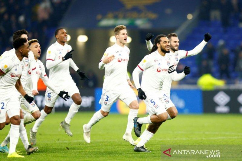 Lyon rebut tiket final Piala Liga Prancis