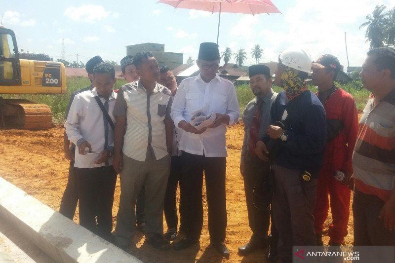 Bupati Rohil tinjau pembangunan Masjid Cheng Ho