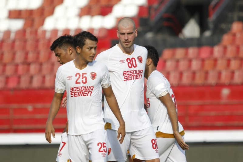Ferdinand Sinaga sanjung Pluim usai hattrick  lawan Lalenok United