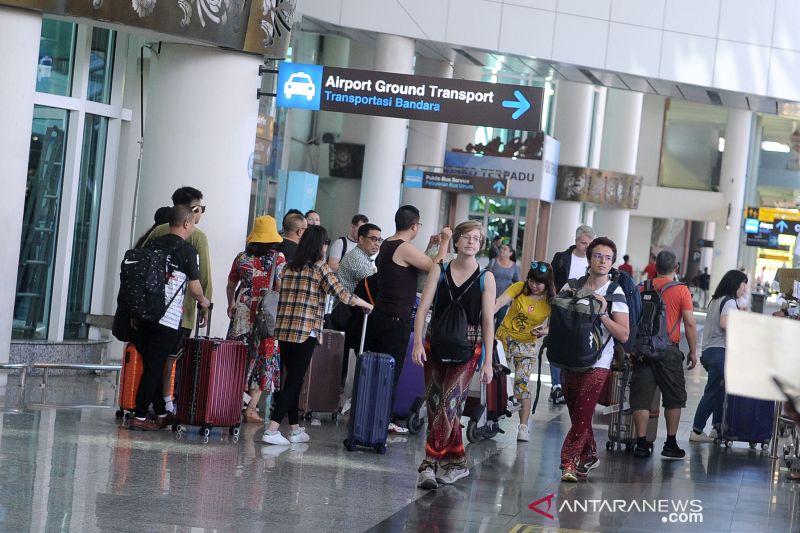Luhut: Kedatangan luar negeri diperketat cegah penyebaran COVID-19