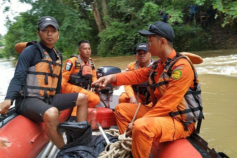 Basarnas masih mencari  seorang gadis tenggelam di Sungai Lubai
