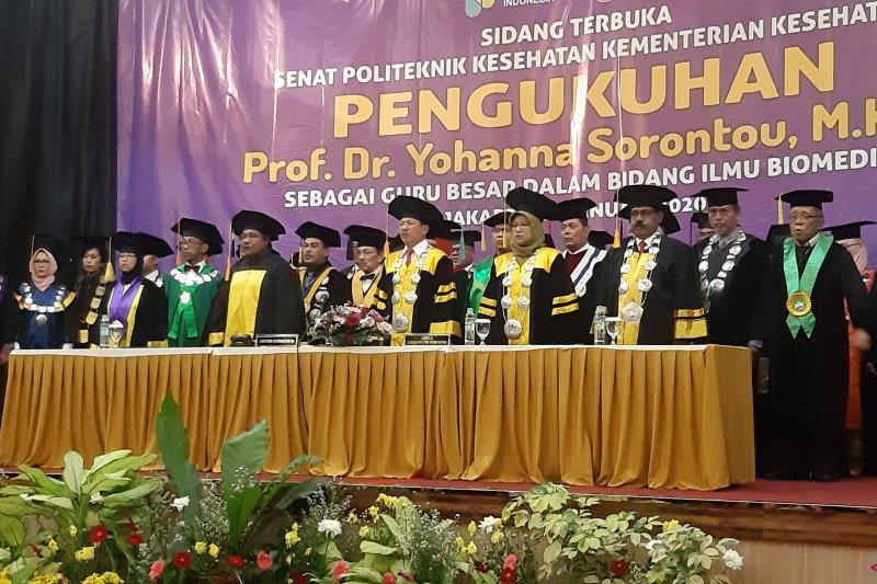 Profesor Yohanna Sorontou dikukuhkan guru besar Biomedik Poltekkes Kemenkes Jayapura