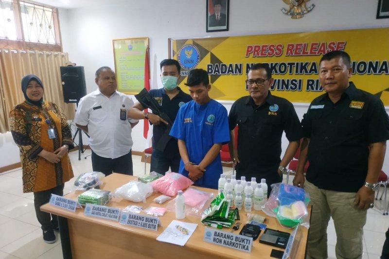 BNN Riau sita tiga kilogram sabu dan 6.886 ekstasi, begini kronologisnya