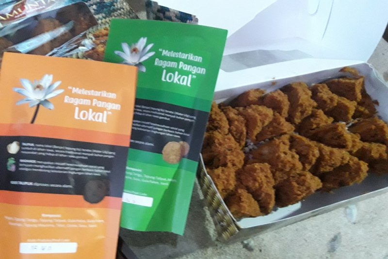 Find food souvenir from lotus in S Kalimantan
