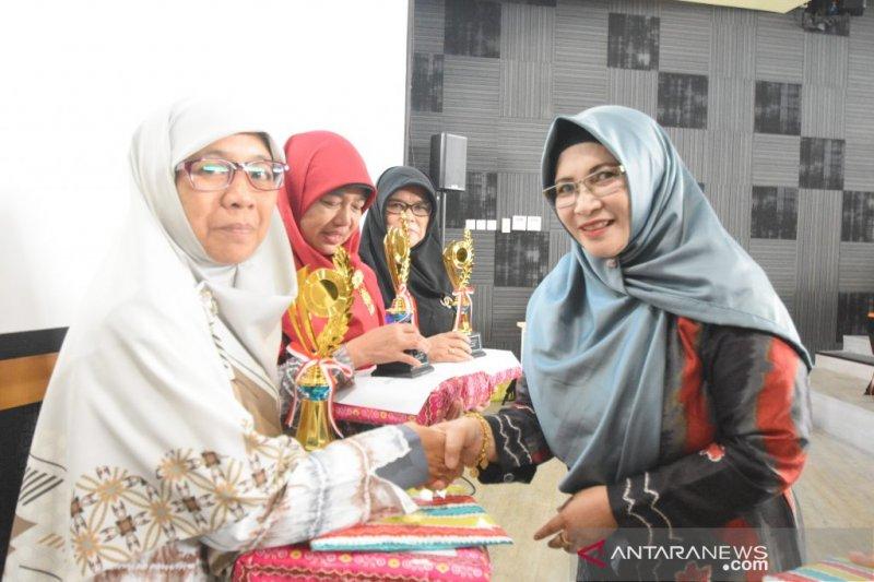 Tingkatkan silaturahmi dan kerja sama Dharma Wanita Persatuan di ULM
