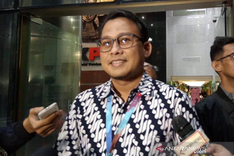 KPK konfirmasi Hasto-Komisioner KPU soal mekanisme PAW