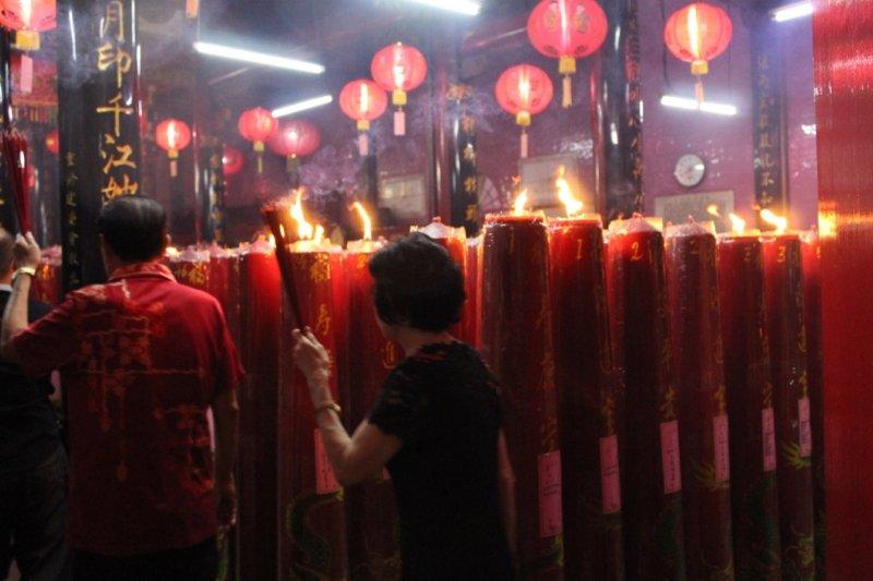 Meski di guyur hujan masyarakat keturunan Tionghoa rayakan Imlek.