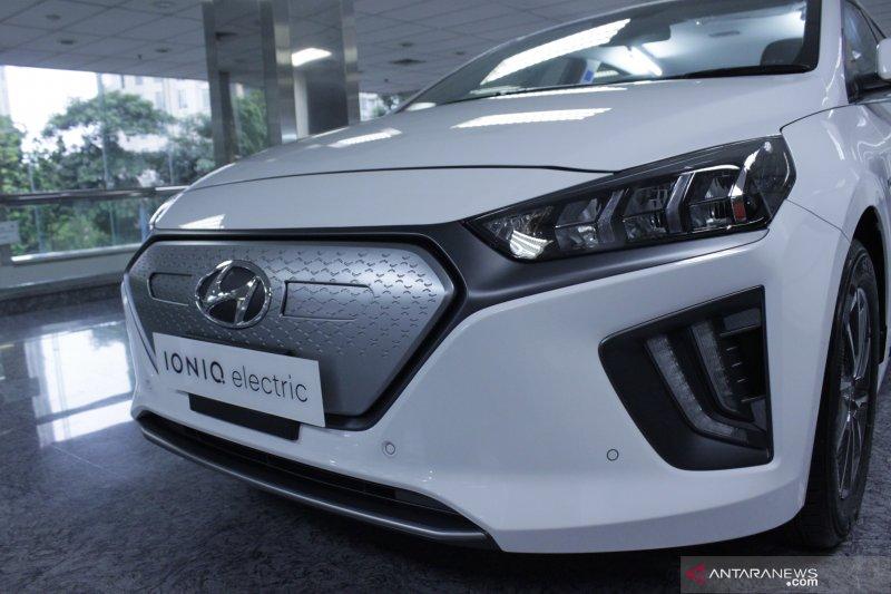 Hyundai umumkan harga mobil listrik Ioniq Rp569 juta