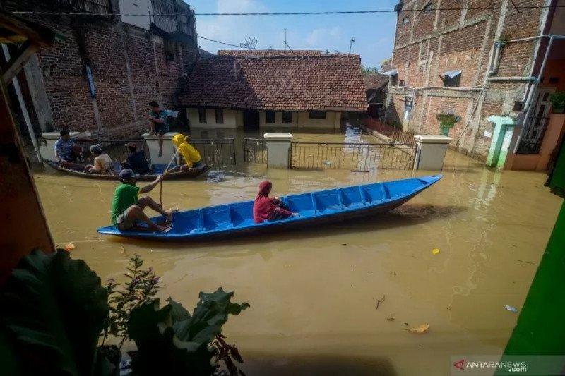 BPBD kirim enam perahu ke lokasi banjir Kabupaten Bandung