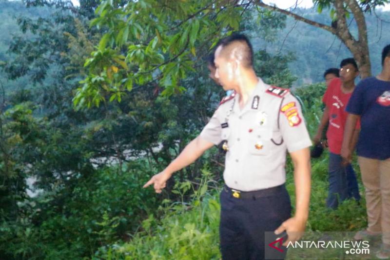 Tawuran  antarpelajar,  siswa SMP  melompat ke jurang 15 meter belum ditemukan