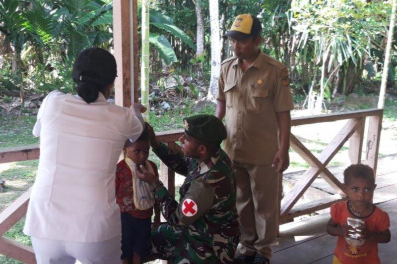Satgas TNI gelar pengobatan kesehatan di Kampung Noema Mimika