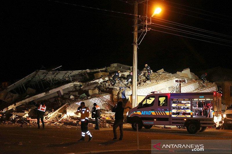 Sedikitnya 20 orang tewas dalam gempa yang mengguncang Turki timur
